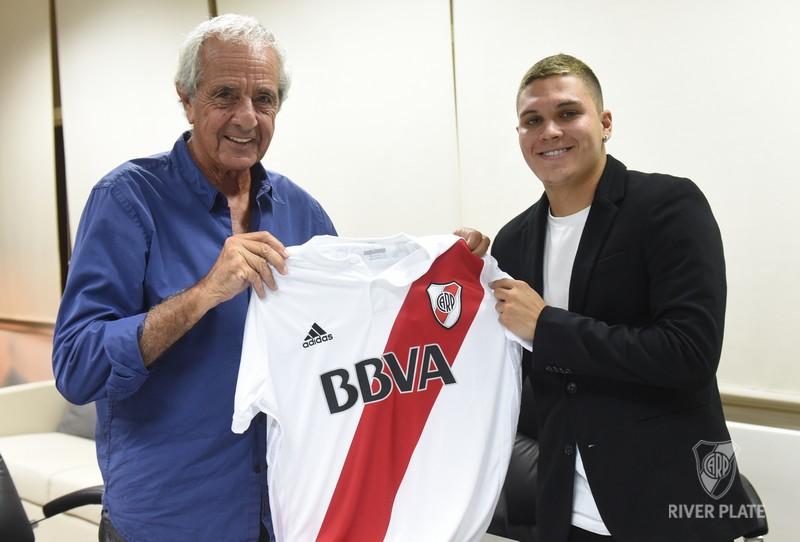 6ff7e2127fd Quintero Signed His Contract With River