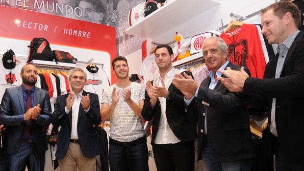 Inauguración del tercer River Plate Store