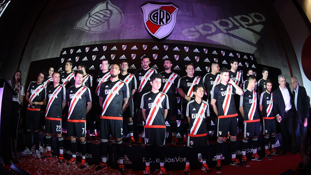 6dd5e46fb River Plate and its fans presented the new away shirt