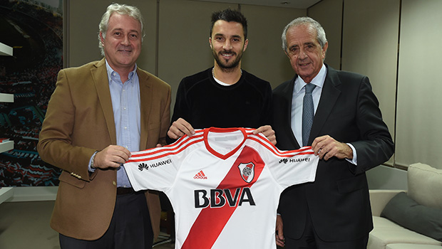 Scocco, new River Plate player
