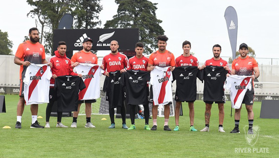 Los All Blacks, en River Camp