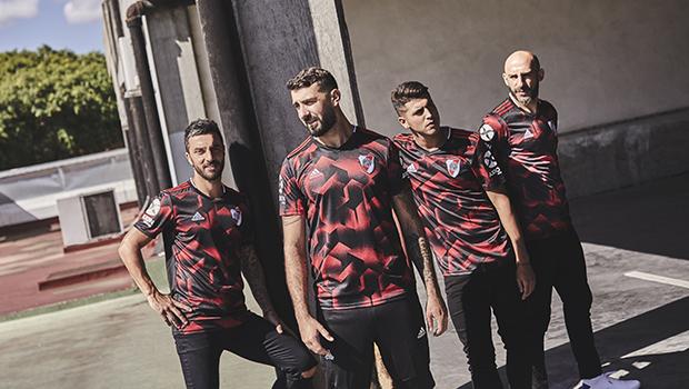 River y adidas presentaron la nueva camiseta alternativa f5d3862291fad