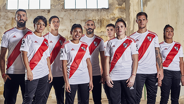 Optimismo creativo martes  River and adidas launched the brand-new home jersey